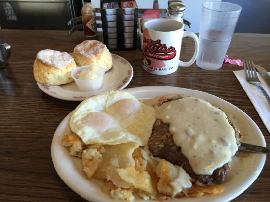 Kitty's Kitchen: Chicken fried steak, eggs over easy, home fries and biscuits!!!! To die for! We were in hog heav