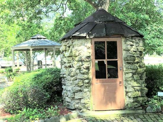Oliver Nestus Freeman Round House Museum: shed