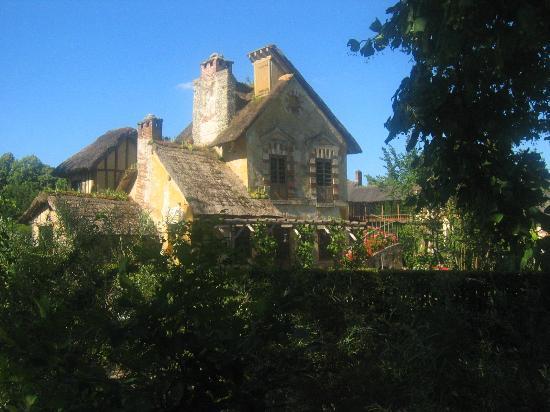 Le hameau de la reine picture of chateau de versailles versailles tripadvisor - Restaurant chateau de versailles ...
