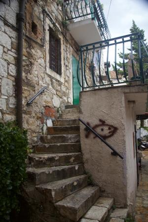 Villa Varos: Entry to apartment