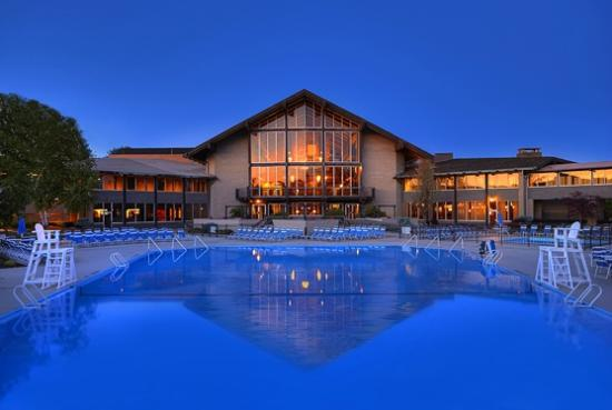 Salt Fork Lodge and Conference Center: Lodge exterior