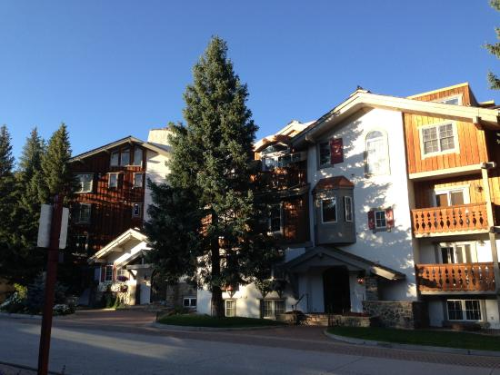 Christiania at Vail: Front of hotel