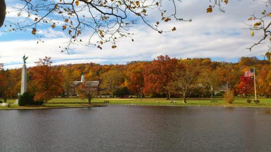 Montclair, NJ: 紅葉が綺麗
