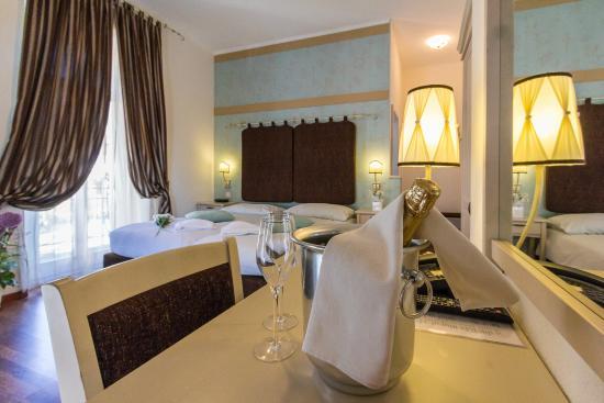 Hotel Riviera: Primo Piano