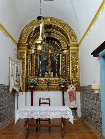 Alcacer do Sal, โปรตุเกส: IGREJA ANTIGA E SIMPLES PORÉM BONITA POR DENTRO