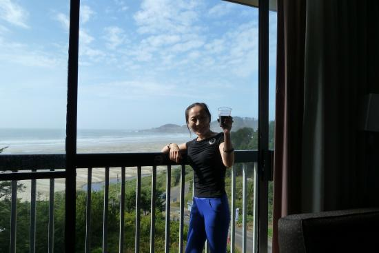 BEST WESTERN Agate Beach Inn: View of the beach and lighthouse from room 632
