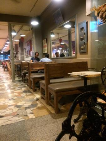 Demir Cafe & Bar