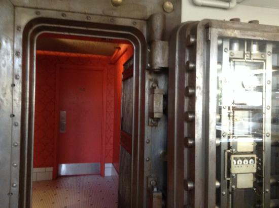 Merchants Pub & Plate: bank vault restrooms
