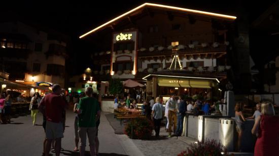 Hotel Eder at night