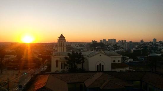 إتاماراتي هوتل: Vista do quarto triplo/quádruplo no 4º andar por volta das 6h30 da manhã