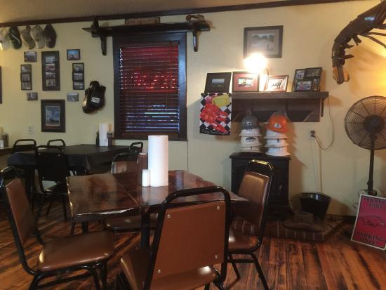 almost famous smoke house grill conway restaurant reviews phone number photos tripadvisor. Black Bedroom Furniture Sets. Home Design Ideas