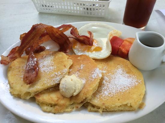 Missy Bon Bon : Pancakes and bacon