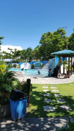 La Union Province, Filipinas: Pool area
