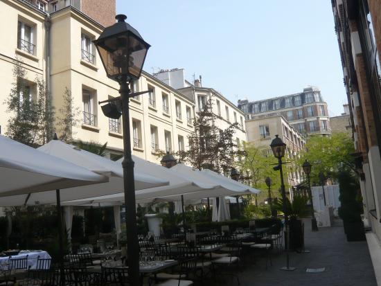 Hotel les jardins du marais courtyard picture of hotel for Hotel les jardins paris