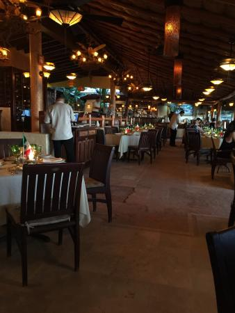La Palapa Restaurant: Dining area