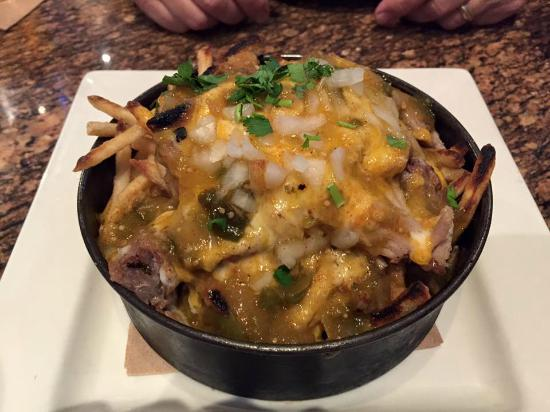 BJ's Restaurant & Brewhouse: Carnitas Fries