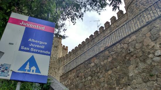 El arco iris en el jard n del albergue picture of for Arco decorativo jardin