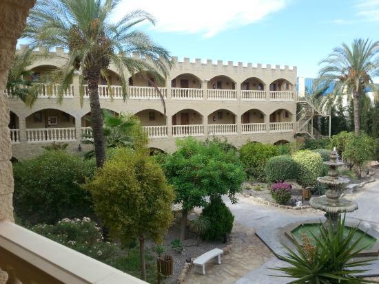 Hotel Plaza Del Castillo: View from the corridor