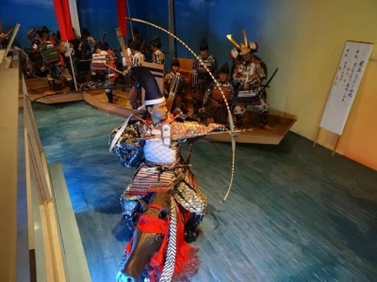 heike monogatari - the tale of the heike war by japanese school-tosa (17