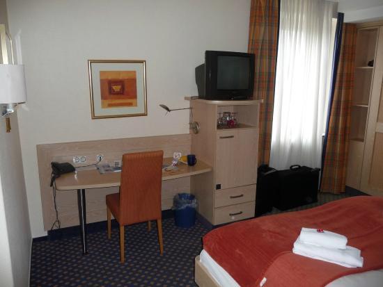 アパートホテル クライネ ペリエ