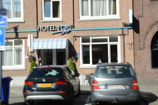 Hotel Port : hotel - front