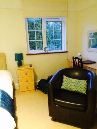 Glebe House B & B: Very nice room I stayed in, it was clean and well presented and most of all the bathroom was sup