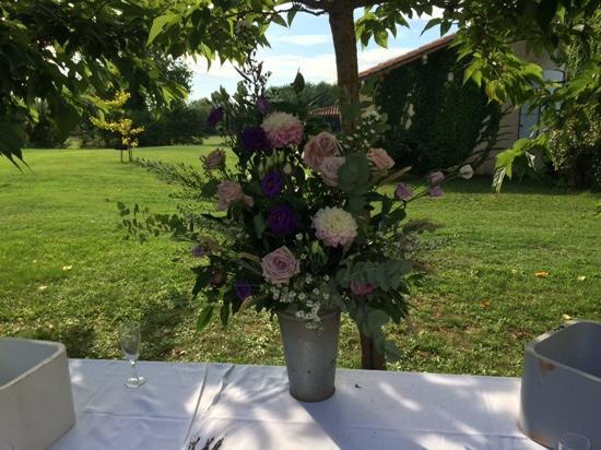 Petit-Bersac, France : beautiful flowers