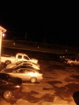 Key West Inn Tunica: LOTS of Free Parking