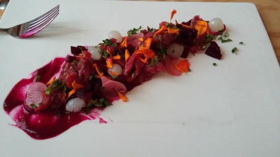 Bar&Bas: Steak Tartaar met Rode Bieten