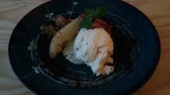 Bar&Bas: Peren dessert op meerdere manieren