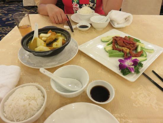 Xiamen Airlines Hotel: dinner in the hotel