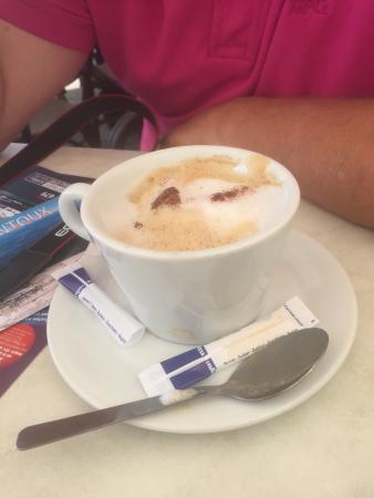 La Samaritaine : Lekkere koffie (4,=) op mooie locatie