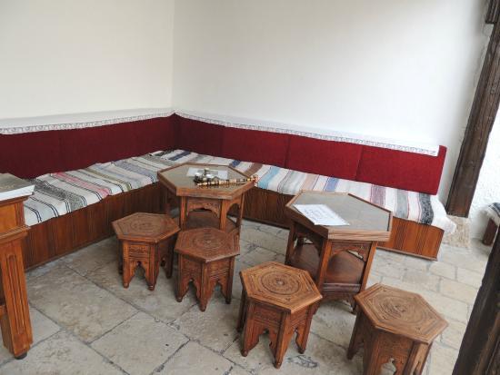 Turkish House (Kajtaz): Arredamento
