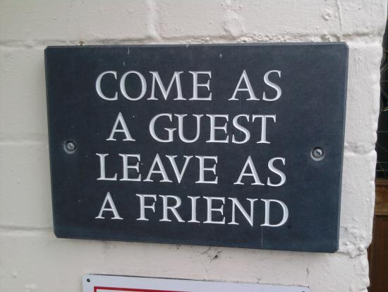 Glascoed Guest House: welcome