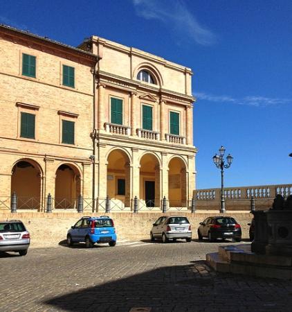 Accademia Georgica, Treia