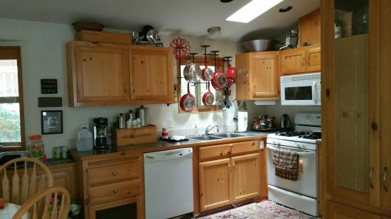 Whaleshead Beach Resort: Upscale Full Kitchen w/brand new S/S Convection Oven! Nice!