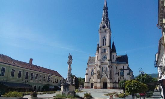 Jézus szíve templom (Herz-Jesu-Pfarrkirche)