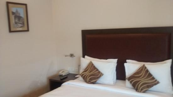 Vibe By The LaLiT Traveller: Room 1