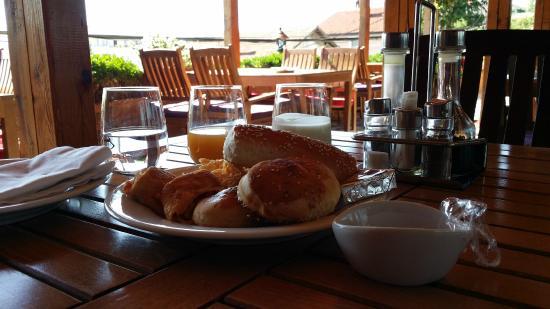 Hotel Pinocchio: Breakfast
