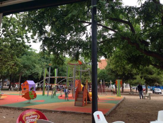 Parque infantil picture of raco casa tere loli i javi - Parque infantil casa ...