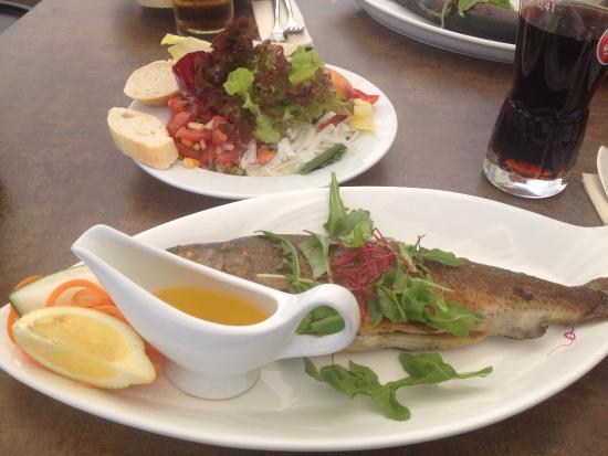 Kaffeetafel bild von fischrestaurant arielle werder for Asia cuisine brandenburg havel