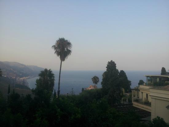 The Dolphin Guest House: Vista dal balcone