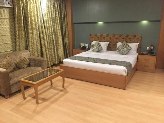 Chirag Residency : Rooms are pretty spacious