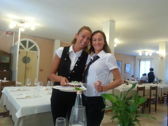 Trattoria da Jolanda: Marianna e Annamaria due cameriere davvero speciali