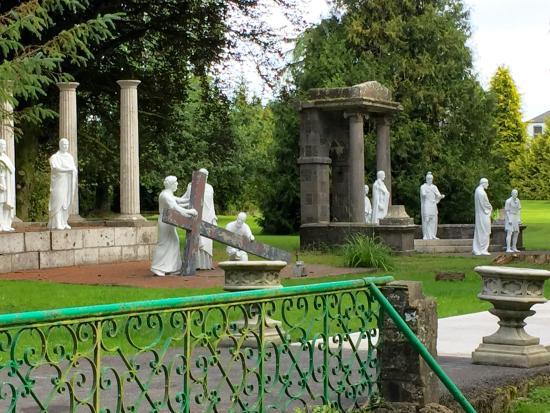 Multyfarnham, أيرلندا: Stations of the Cross 1