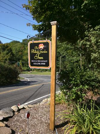 Sandisfield, MA: The Hillside Garden Inn Bed & Breakfast