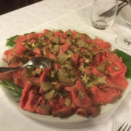 Ristorante Visconti: Roast beef con tartufo nero