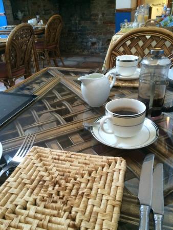 Fenstanton, UK: Breakfast table
