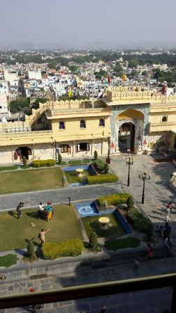 Fateh Prakash Palace: Blick von oben auf den Innenhof