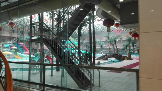 Dalian Aerbin Jinshan Hotel Water Park: 営業前の園内